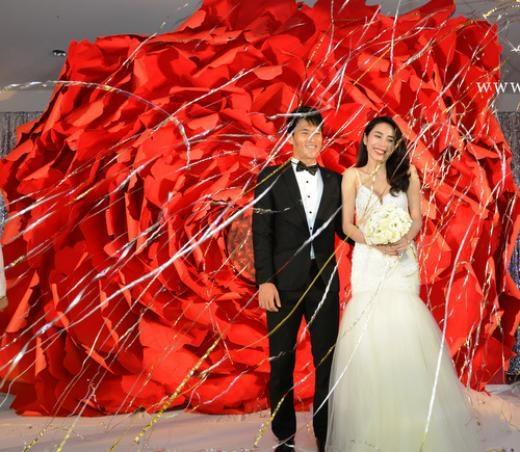 Công Vinh - Thủy Tiên trong hôn lễ diễn ra hôm 27/12. - Tin sao Viet - Tin tuc sao Viet - Scandal sao Viet - Tin tuc cua Sao - Tin cua Sao