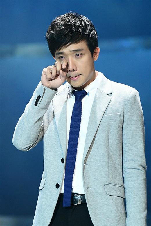 Anh còn được mệnh danh là MC hay khóc nhất trong các MC của Việt Nam. - Tin sao Viet - Tin tuc sao Viet - Scandal sao Viet - Tin tuc cua Sao - Tin cua Sao