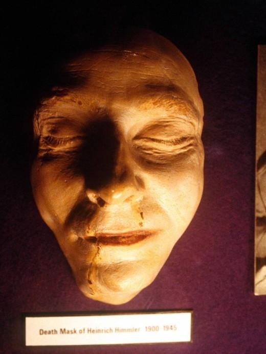 Mặt nạ chết chóc của tên tội phạm Heinrich Himmier. Y đã treo cổ tại nhà tù Newgate, London. (Ảnh: The Independent)