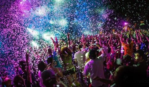 Những buổi party như thế này rất được giới trẻ ưa chuộng hiện nay.