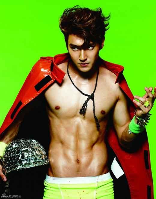 2. Choi Siwon (28 tuổi, ca sĩ Hàn Quốc)
