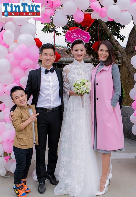 Cặp đôi gây sốt cộng đồng mạng Thanh Thảo - Xuân Tiến cũng là bạn thân của cô dâu Lê Thúy - Tin sao Viet - Tin tuc sao Viet - Scandal sao Viet - Tin tuc cua Sao - Tin cua Sao
