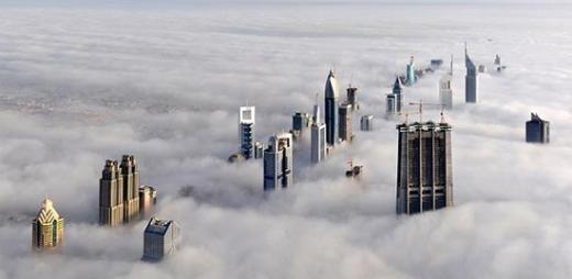 Những tòa nhà 'chọc trời' xuyên tầng mây ở Dubai