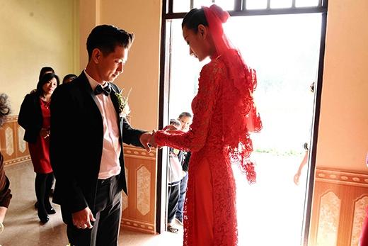 Cùng nhau trao nhẫn cưới... - Tin sao Viet - Tin tuc sao Viet - Scandal sao Viet - Tin tuc cua Sao - Tin cua Sao