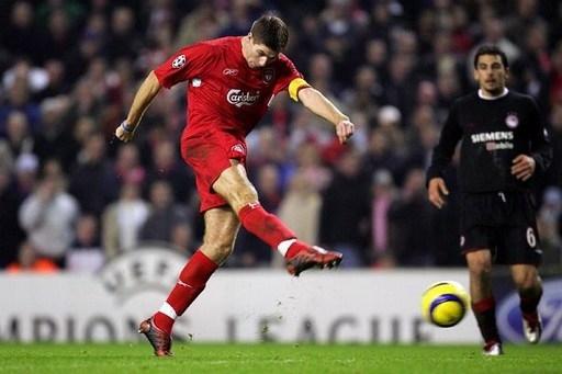 Ở vòng bảng Champions League 2005, Liverpool thi đấu không tốt. Họ cần có một chiến thắng cách biệt 2 bàn với đối thủ cạnh tranh trực tiếp là Olympiacos mới mong giành vé đi tiếp. Phút 85 của trận đấu trên sân Anfield, đội trưởng Steven Gerrard khiến các fan Liverpool vỡ òa trong cảm xúc với pha bắt vô lê thần sầu từ ngoài vòng cấm nâng tỷ số lên 3-1, qua đó giúp đội nhà vượt qua vòng bảng đầy kịch tính.