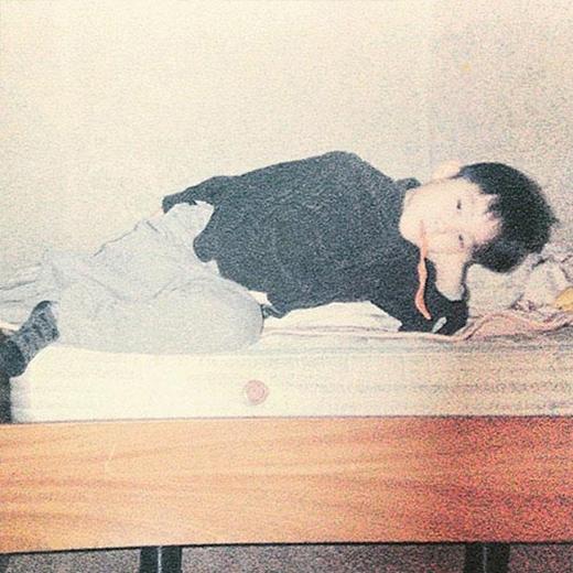 JB (GOT7) khoe hình hồi bé cực đáng yêu, anh chia sẻ: 'Đây là thứ quý giá mà tôi tìm được tại nhà của mình'.