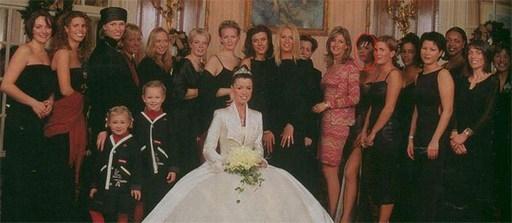 … và Vic tới dự đám cưới của Phil và Julie cuối năm 1999. (Ảnh: MU)