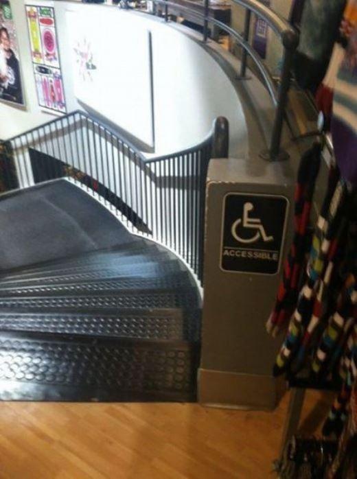 Hi vọng là người đi xe lăn đi được lối này.