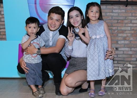 Gia đình hạnh phúc của nhạc sĩ Nguyễn Văn Chung. - Tin sao Viet - Tin tuc sao Viet - Scandal sao Viet - Tin tuc cua Sao - Tin cua Sao
