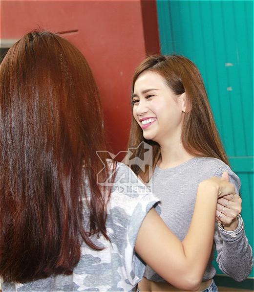 Cả 2 liên tục cười nói vui vẻ - Tin sao Viet - Tin tuc sao Viet - Scandal sao Viet - Tin tuc cua Sao - Tin cua Sao
