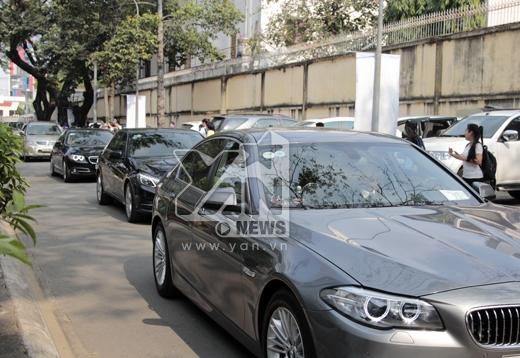Dàn xe khủng hộ tống T-ara