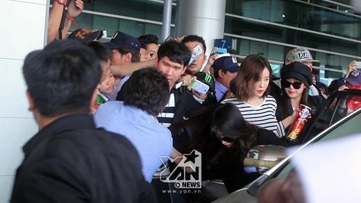 Khoảnh khắc Jiyeon sợ 'xanh mặt' vì bị giật tóc.