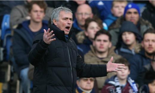 Mourinho đối diện với án phạt từ FA vì những phát ngôn không đúng mực.