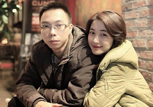 Chuyện tình cảm của Hòa Minzy và Tùng Acoustic đã không thể vượt qua được rào cản khoảng cách Nam - Bắc