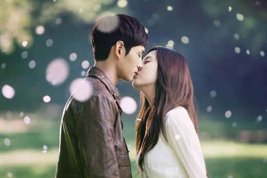 Nụ hôn trong sáng nhất của em út SNSD - Seohyun trên màn ảnh thông qua bộ phim Passionate Love.