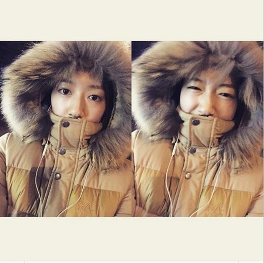 Park Shin Hye khoe hình hai tâm trạng khác nhau với lời nhắn: 'Tôi lại đi bộ Olympic Park. Những gì tôi cần bây giờ là âm nhạc'.