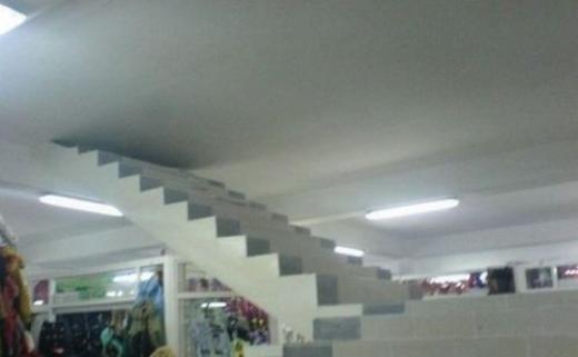 Cầu thang sẽ dẫn bạn tới một lối đi bí mật?
