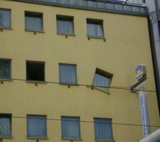 Công nhân xây dựng đã say xỉn trong lúc làm việc?