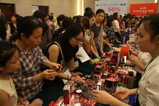 Sự kiện VStyle's Private Sale tại Hà Nội đã thu hút gần 40.000 lượt khách mua sắm