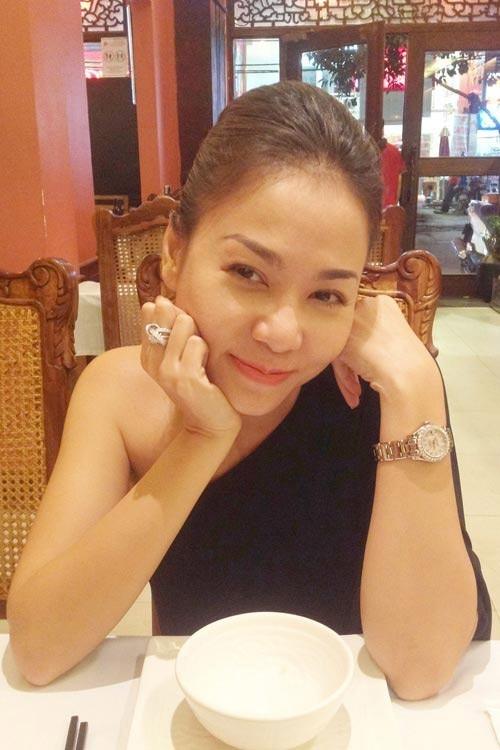 """Nhẫn kim cương và đồng hồ thuộc """"hàng khủng"""". - Tin sao Viet - Tin tuc sao Viet - Scandal sao Viet - Tin tuc cua Sao - Tin cua Sao"""