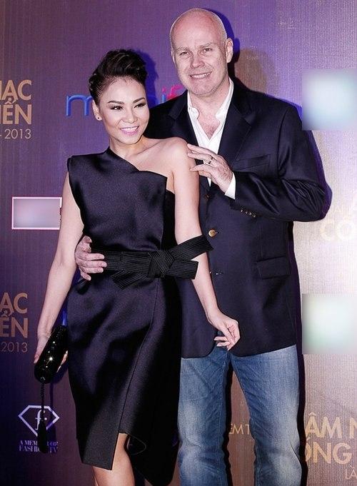 Có thể nói Thu Minh hoàn toàn xứng đáng là nữ hoàng xa xỉ của showbiz Việt. - Tin sao Viet - Tin tuc sao Viet - Scandal sao Viet - Tin tuc cua Sao - Tin cua Sao