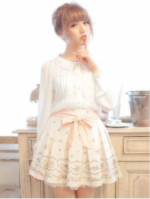 Cá tính hoặc bụi phủi cũng là những trang phục mà bạn có thể áp dụng cho phong cách ulzzang   Còn nếu bạn thích vẻ kẹo ngọt thì màu pastel, nơ cài là những trang phục dành riêng cho bạn