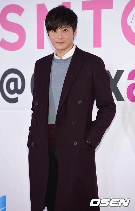 Jang Dong Gun xuất hiện đầy bảnh bao, lịch lãm trong bộ trang phục thời trang