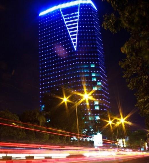 Cao ốc văn phòng Lim Tower tọa lạc tại số 9-11 Tôn Đức Thắng, phường Bến Nghé, Quận 1.Ảnh:skyscrapercity