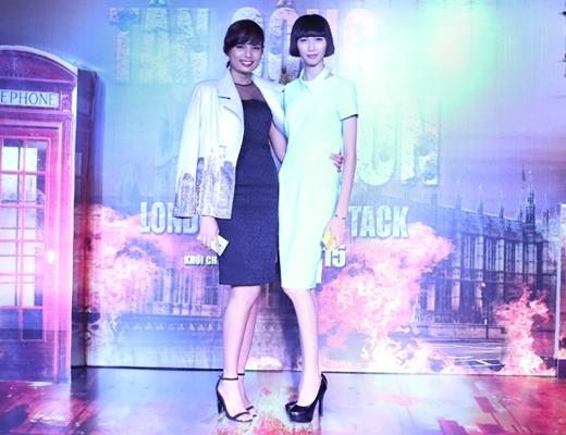 Nếu Cao Ngânlộng lẫy trong trang phục của NTK Huy Trần thìTiêu Linh lạikết hợp đầm NTK Lê Thanh Hòa và chiếc áo khoác cá tính của NTK Chung Thanh Phong