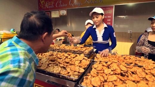 Món chả mực đặc sản của Hạ Long.