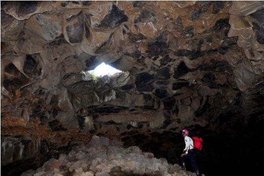 'Hố ga' trong hang C6 - Ảnh: Trần Thế Dũng