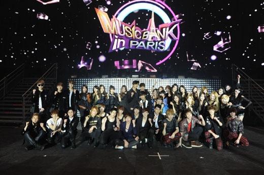 Music Bank World Tour được KBS tổ chức tại Paris.