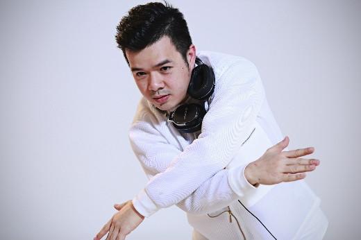 DJ Mike Hào nổi lên như thế hệ 2 trong giới DJ hiện nay. Mike Hào đã ghi được dấu ấn tên tuổi của mình qua nhiều show diễn như: Future Now Music, Heineken Countdown… Anh là cái tên DJ có nhiều lượt nghe nhất tại soundcloud. - Tin sao Viet - Tin tuc sao Viet - Scandal sao Viet - Tin tuc cua Sao - Tin cua Sao