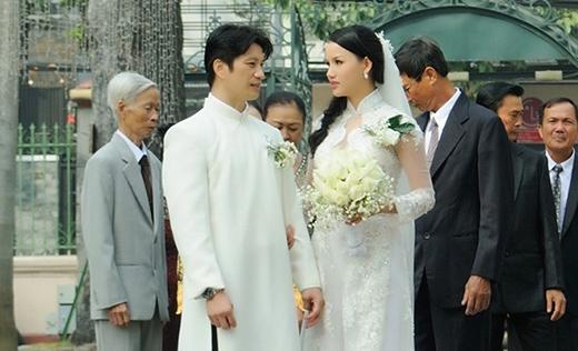 Tuy nhiên, tối 21/1, Dustin Nguyễn đã chính thức đưa nàng về dinh bằng một lễ cưới ấm cúng, sang trọng với những người thân và hoàn toàn bí mật với truyền thông. - Tin sao Viet - Tin tuc sao Viet - Scandal sao Viet - Tin tuc cua Sao - Tin cua Sao