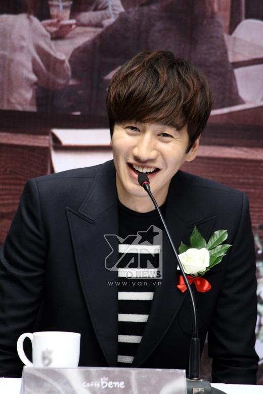 Trong lần xuất hiện ở Việt Nam trước đó để thực hiện quay Running Man, anh đã có ấn tượng rất tốt với khán giả Việt Nam, Lee Kwang Soo cũng hy vọng một ngày không xa sẽ được trở lại Việt Nam