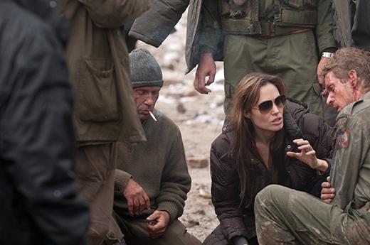 Jolie đang chỉ đạo những cảnh quay trong bộ phim