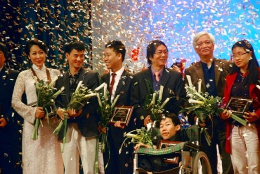 Ngày anh Hùng đoạt giải Hiệp Sĩ Công Nghệ Thông Tin