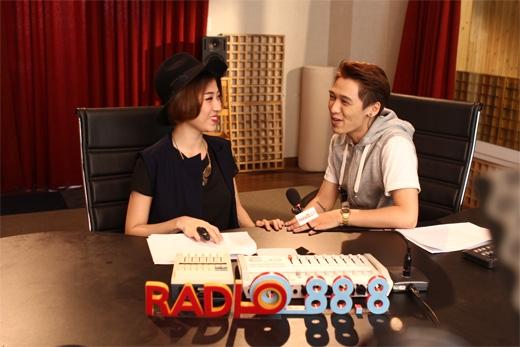 Radio 88.8 chương trình radio thu hình độc đáo trên YANTV được lòng khán giả bởi 2 người dẫn chương trình hài hước Will-Yumi Dương. Tuy nhiên, trong Radio 88.8 số phát sóng tối nay, Will (365) đã bị Tronie chiếm chỗ.