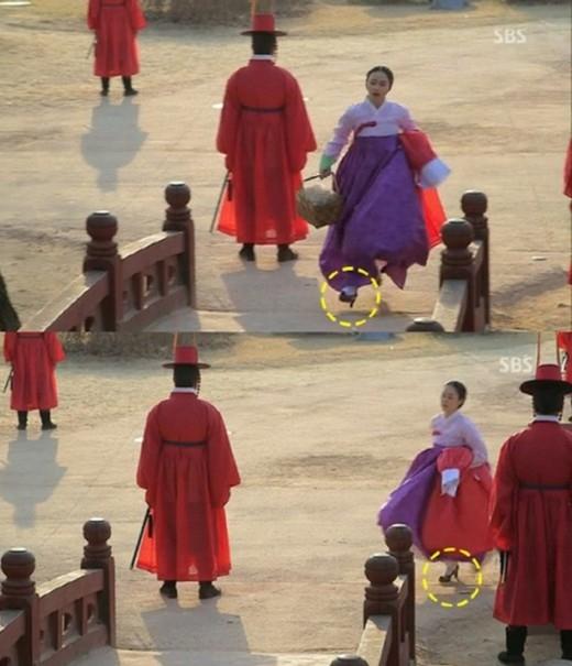 Nhà thiết kế thời trang nổi tiếng thời Joseon,Jang Ok Jung (Kim Tae Hee)thật có gu thẩm mỹ khi sở hữu cả đôi giày cao gót của tương lai mấy trăm năm sau.