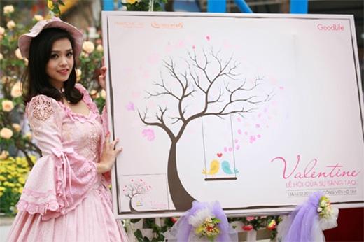 Bức tranh vân tay sáng tạo có mặt tại Lễ hội.
