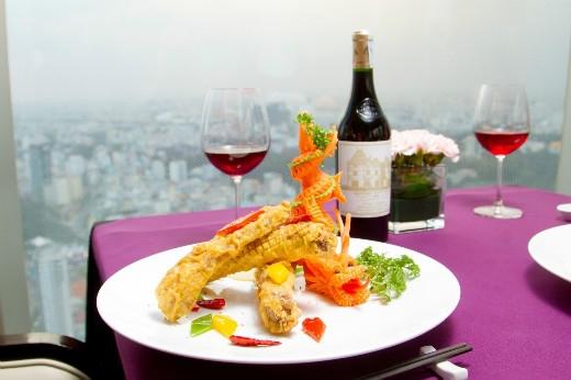 Thực đơn đặc biệt được đầu bếp EON51 chăm chút cần thận để mang đến sự hài lòng cho quý khách