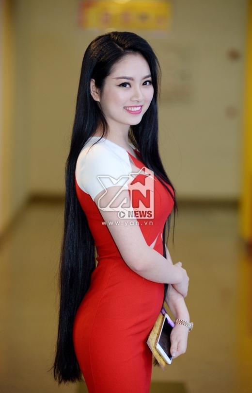 Hoa hậu Dân tộc Ngọc Anh khoe mái tóc dài - Tin sao Viet - Tin tuc sao Viet - Scandal sao Viet - Tin tuc cua Sao - Tin cua Sao