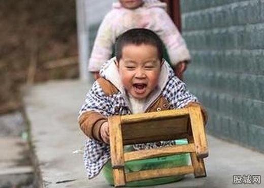Dù mất đi đôi chân, nhưng Hải Phong luôn rất vui vẻ và lạc quan