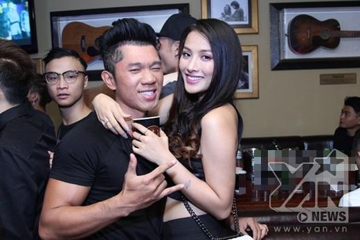 Lương Bằng Quang cùng bạn gái Yaya Trương Nhi cũng có mặt để tham gia buổi tiệc âm nhạc này. - Tin sao Viet - Tin tuc sao Viet - Scandal sao Viet - Tin tuc cua Sao - Tin cua Sao