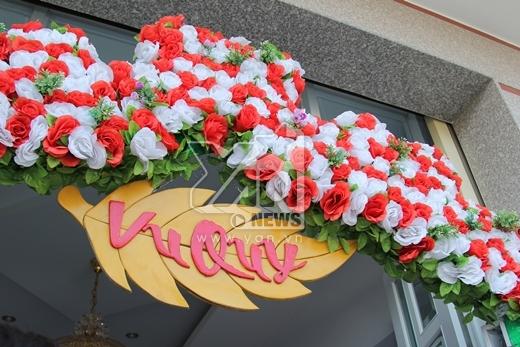 Cổng hoa - Tin sao Viet - Tin tuc sao Viet - Scandal sao Viet - Tin tuc cua Sao - Tin cua Sao
