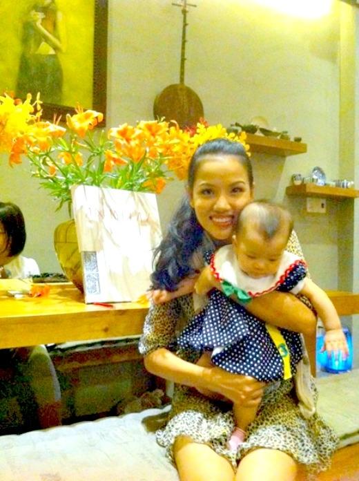 Bebe Phạm và con gái - Tin sao Viet - Tin tuc sao Viet - Scandal sao Viet - Tin tuc cua Sao - Tin cua Sao