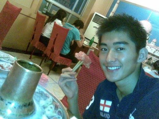Trương Hàn là sao nam đang được hâm mộ cuồng nhiệt nhất nhì showbiz Hoa ngữ