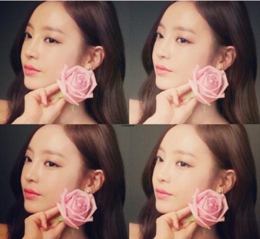 """Hara (Kara)xinh xắn tạo dáng bên hoa: """"Hara và son môi Coral"""""""
