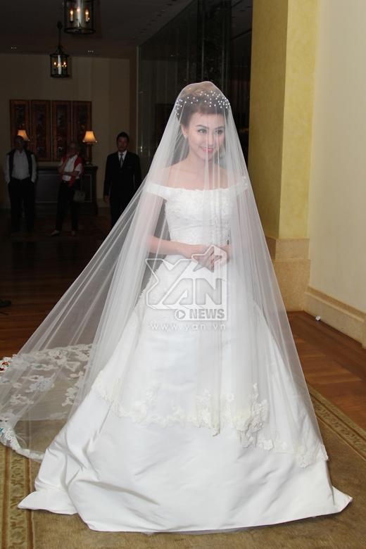 Ngân Khánh xuất hiện lộng lẫy trong bộ váy cưới. - Tin sao Viet - Tin tuc sao Viet - Scandal sao Viet - Tin tuc cua Sao - Tin cua Sao