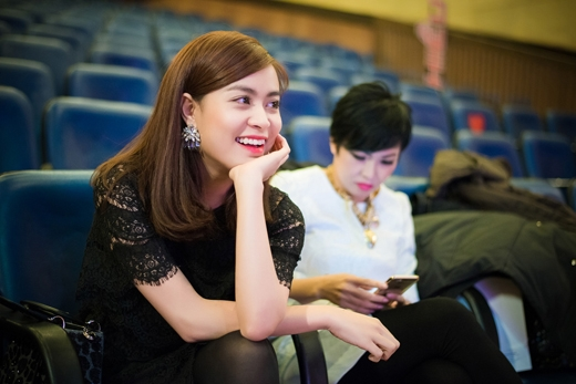 Hoàng Thùy Linh cùng ca sĩ Phương Thanh là khách mời trong chương trình. - Tin sao Viet - Tin tuc sao Viet - Scandal sao Viet - Tin tuc cua Sao - Tin cua Sao